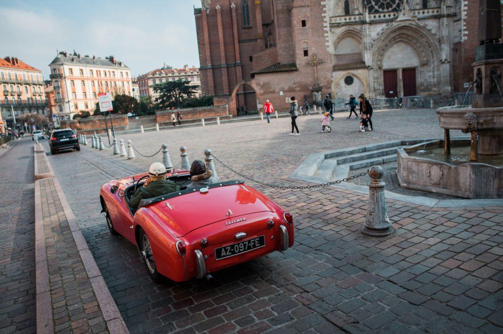 Triumph car old toulouse cathédrale saint-etienne